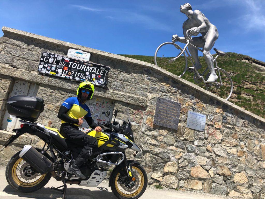 https://motosmarin.com/conducir-en-verano-fresco-y-protegidohttps://motosmarin.com/los-amigos-de-motos-marin-nos-cuentan-sus-escapadas-aventura-de-charly-elche-por-los-pirineos